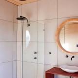 port lincoln shack builders bathroom